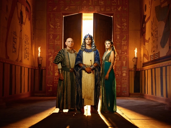 From-Left-Ben-Kingsley-as-Ay-Avan-Jogia-as-Tut-Sibylla-Deen-as-Ankhe