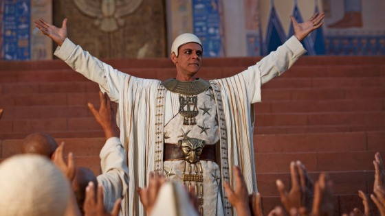 Centre: Alexander Siddig as Amun in Tut (2015 Mini TV Series) Spike TV.
